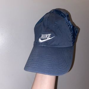 Navel blue nike hat 🧢